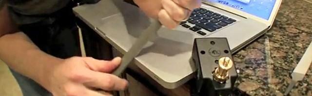 ライフハッカー MacBook Proヤスリ