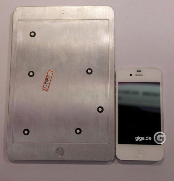 「iPad mini」モックアップ