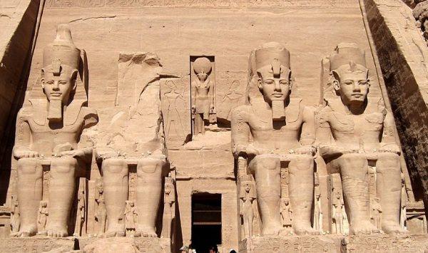 レゴ世界遺産 アブ・シンベル神殿 本物
