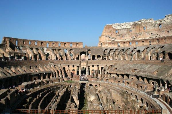 世界遺産 コロッセオ 本物の内側