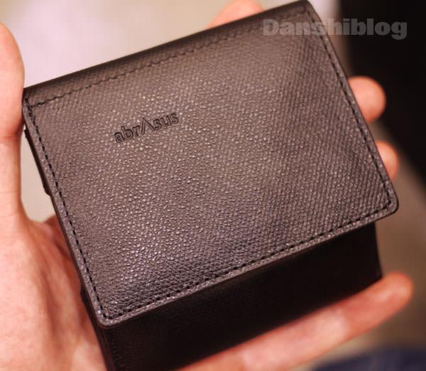 アブラサス 黒い財布画像