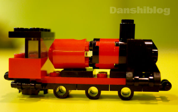 legoland-howto-make-train-and-camera.jpg